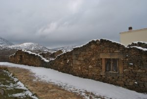 Nieve sobre pueblos de piedra