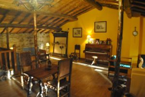 salón hotel rural en Gredos